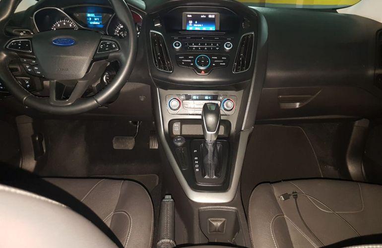 Ford Focus Sedan SE Plus 2.0 PowerShift - Foto #5