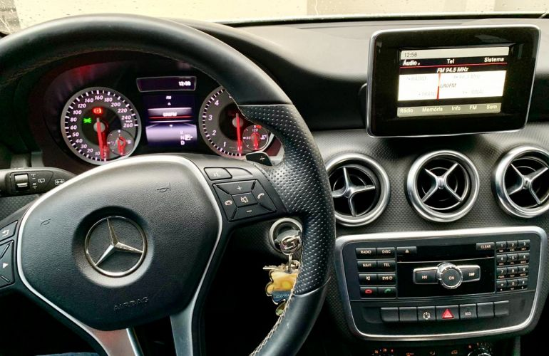 Mercedes-Benz Classe A 200 Style 1.6 DCT Turbo - Foto #5