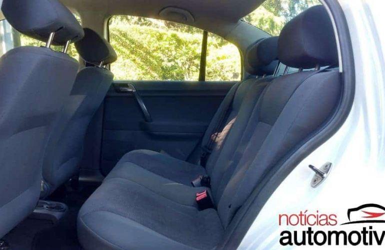 Volkswagen Polo Sedan Comfortline 1.6 8V I-Motion (Flex) (Aut) - Foto #3