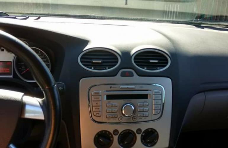 Ford Focus Hatch GLX 2.0 16V (Flex) (Aut) - Foto #1