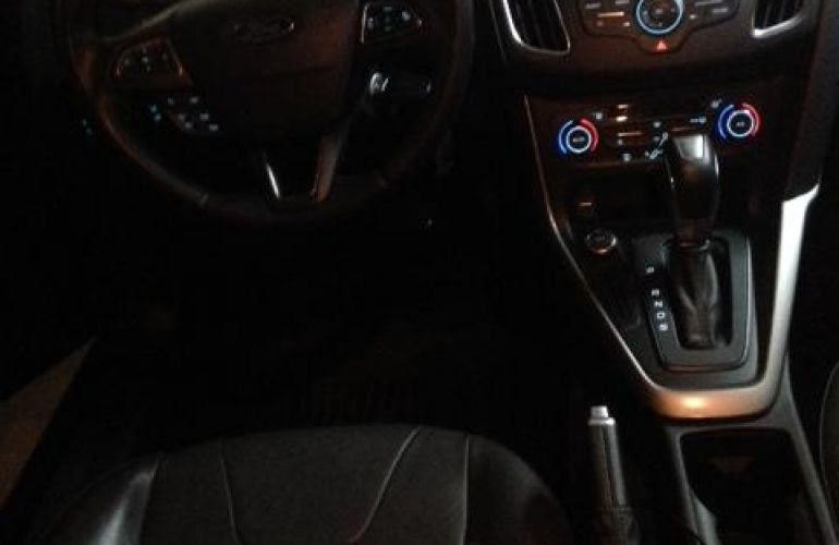 Ford Focus Hatch SE Plus 2.0 PowerShift - Foto #7