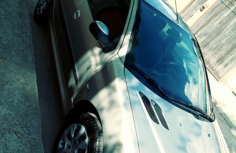 Peugeot 206 Hatch. Presence 1.4 8V - Foto #6
