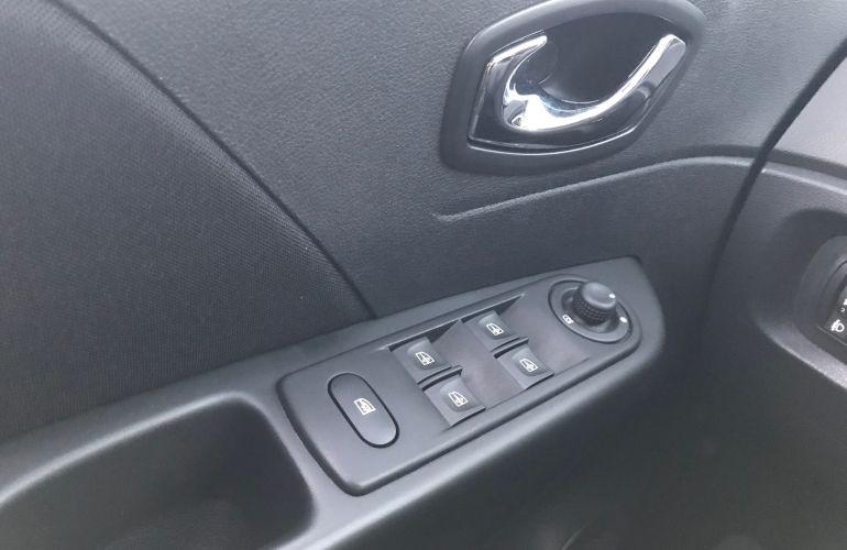 Renault Captur Zen 1.6 16v SCe - Foto #6