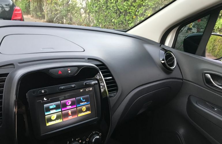 Renault Captur Zen 1.6 16v SCe - Foto #7