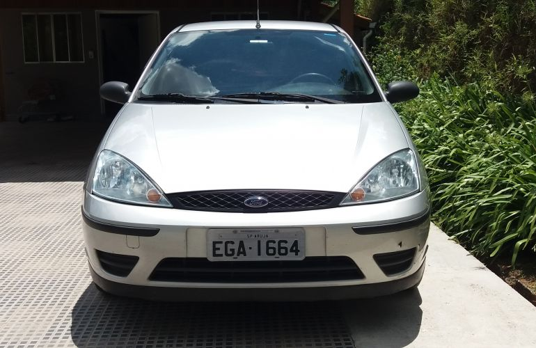 Ford Focus Hatch GL 1.6 8V - Foto #4