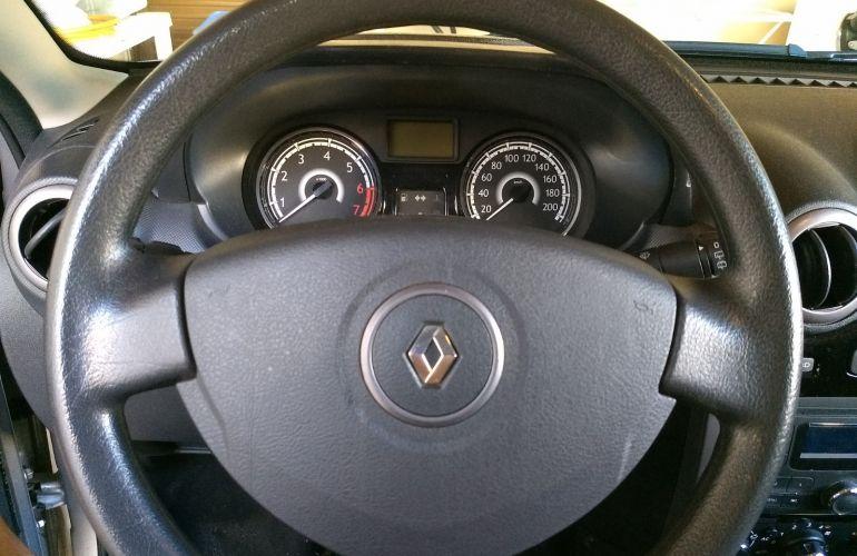 Renault Sandero Expression 1.0 16V (Flex) - Foto #8
