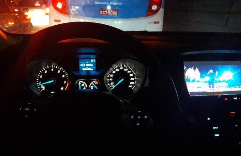 Ford Focus Hatch S 1.6 16V TiVCT - Foto #1