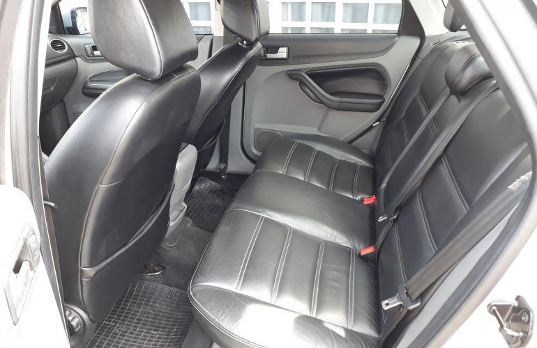 Ford Focus Sedan Ghia 2.0 16V Duratec (Aut) - Foto #5