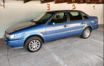 Volkswagen Passat GL 2.0 i - Foto #1