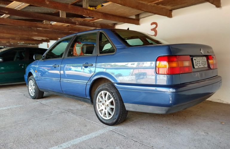 Volkswagen Passat GL 2.0 i - Foto #2
