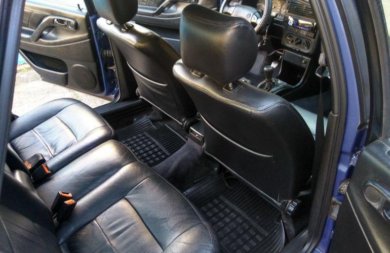 Volkswagen Passat GL 2.0 i - Foto #6