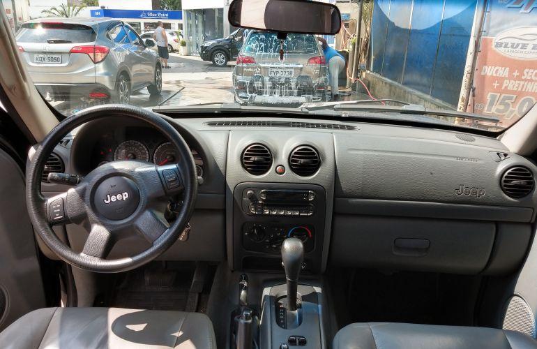 Jeep Cherokee Sport 3.7 V6 - Foto #4