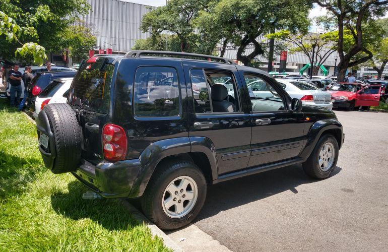 Jeep Cherokee Sport 3.7 V6 - Foto #6