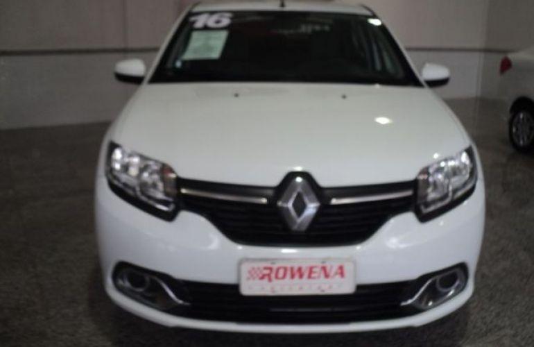 Renault Logan Expression 1.6 16V Hi-Flex - Foto #2