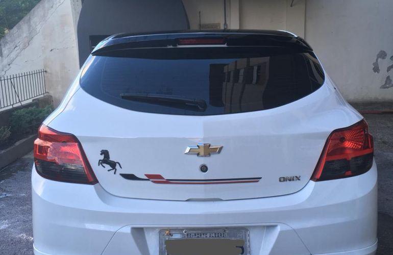 Chevrolet Onix 1.4 Effect SPE/4 - Foto #2