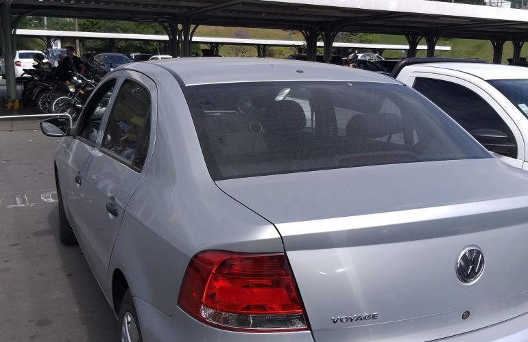 Volkswagen Voyage 1.6 Total Flex - Foto #8