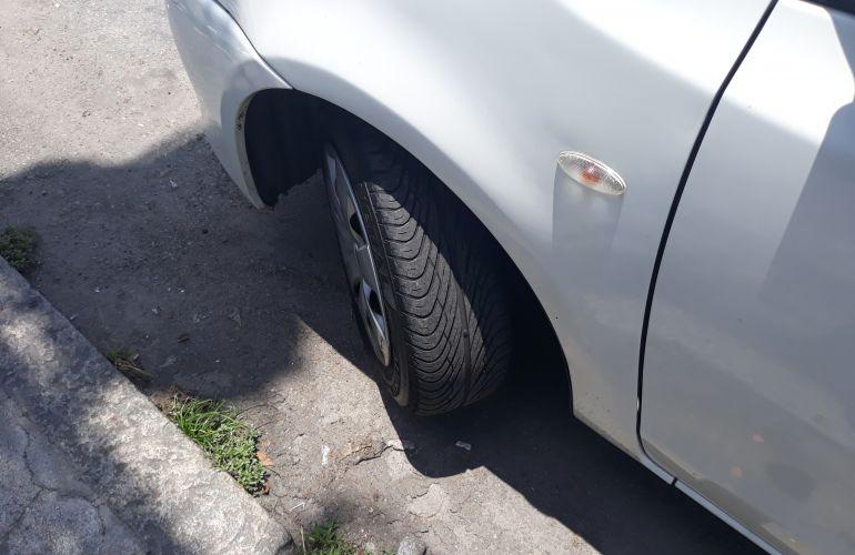 Toyota Etios XS 1.3 (Flex) - Foto #10