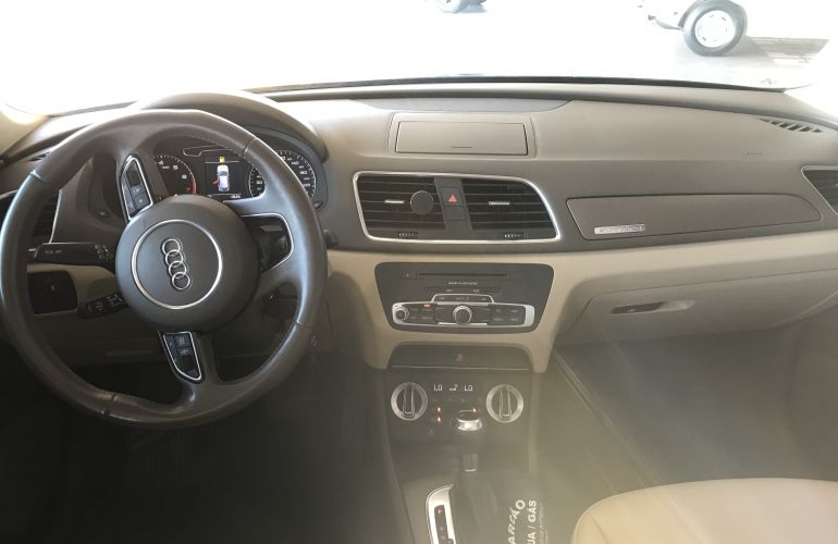 Audi Q3 2.0 TFSI Ambition S Tronic Quattro - Foto #8