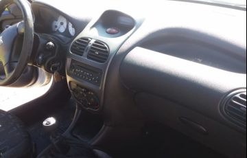 Peugeot 206 SW Presence 1.6 - Foto #5