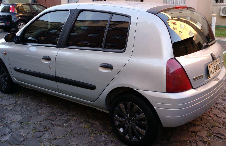 Renault Clio Hatch. RN 1.0 8V - Foto #8