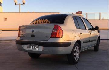 Renault Clio Sedan Expression 1.0 16V - Foto #2