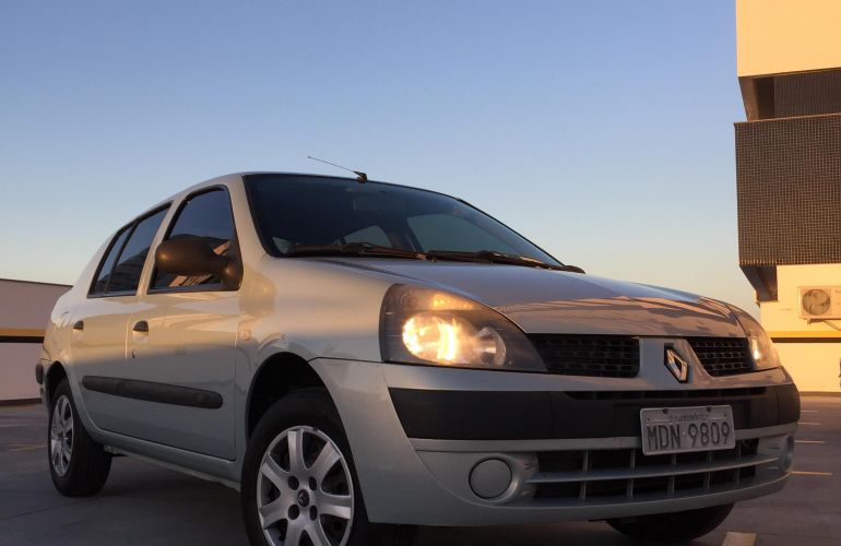 Renault Clio Sedan Expression 1.0 16V - Foto #3