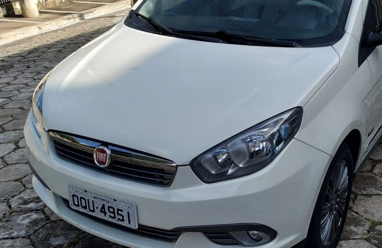 Fiat Grand Siena Essence 1.6 16V (Flex) - Foto #9