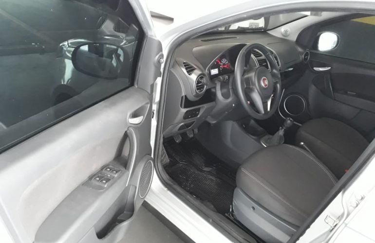 Fiat Grand Siena Evo Attractive 1.0 (Flex) - Foto #8
