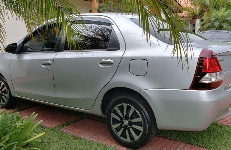 Toyota Etios Sedan XLS platinum 1.5 (Flex) - Foto #4