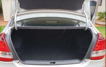 Toyota Etios Sedan XLS platinum 1.5 (Flex) - Foto #8