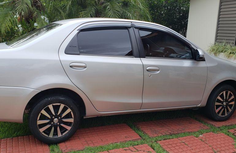 Toyota Etios Sedan XLS platinum 1.5 (Flex) - Foto #9