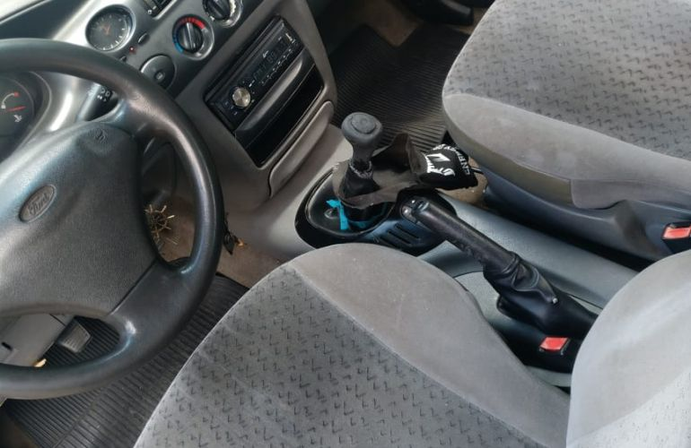 Ford Escort Hatch GL 1.8 MPi 16V - Foto #8