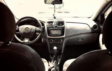 Renault Logan Dynamique 1.6 8V - Foto #8