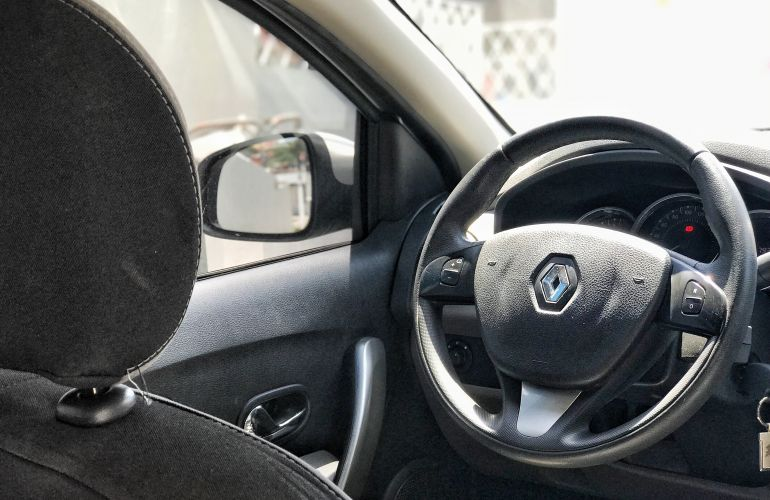 Renault Logan Dynamique 1.6 8V - Foto #9