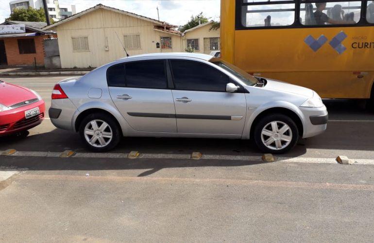 Renault Mégane Sedan Dynamique 2.0 16V (aut)