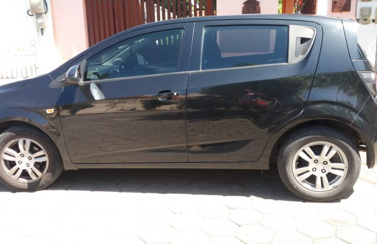 Chevrolet Sonic Hatch LT 1.6 - Foto #2
