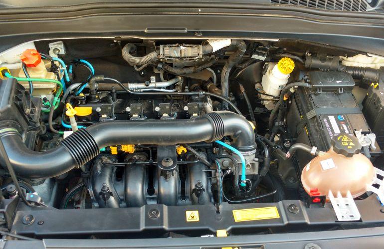 Jeep Renegade 1.8 (Aut) (Flex) - Foto #2