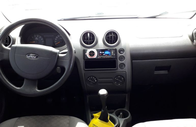 Ford Fiesta Hatch Supercharger 1.0 8V - Foto #2
