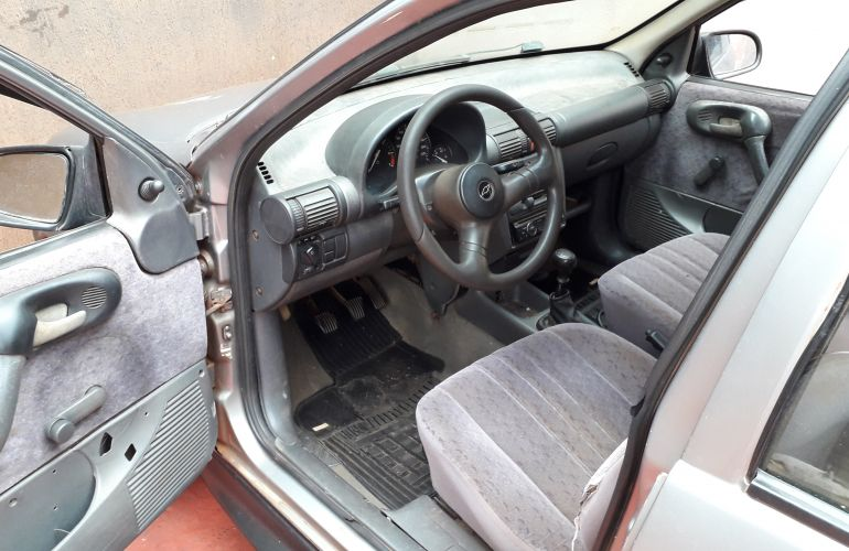 Chevrolet Corsa Sedan GL 1.6 MPFi - Foto #7
