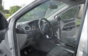 Ford Focus Hatch GL 1.6 16V (Flex) - Foto #8
