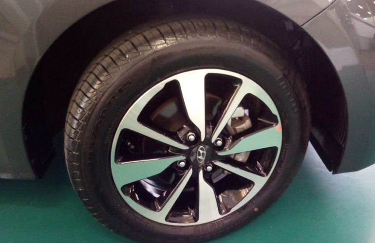 Hyundai HB20S 1.6 Style (Aut) - Foto #5
