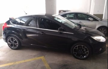 Ford Focus Hatch Titanium Plus 2.0 16V PowerShift - Foto #4