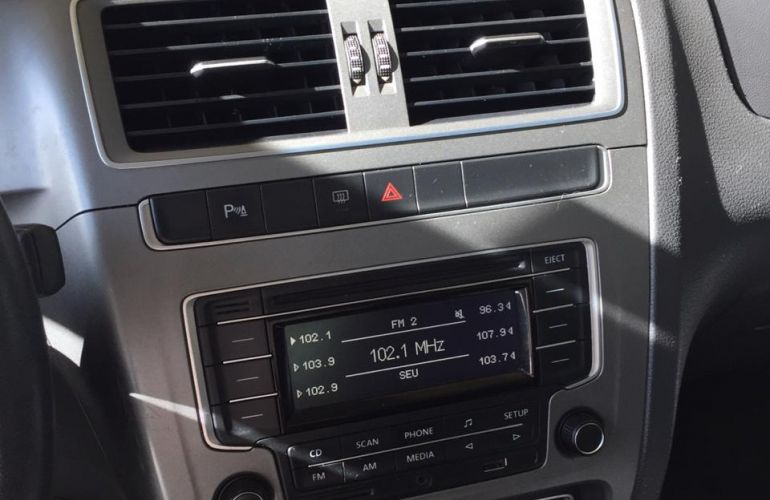 Volkswagen Fox Comfortline 1.0 TEC (Flex) - Foto #2