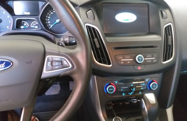 Ford Focus Fastback SE Plus 2.0 PowerShift - Foto #1
