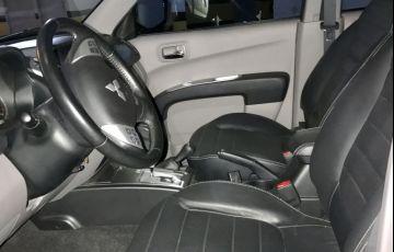 Mitsubishi L200 Triton 3.5 V6 HPE 4WD (Flex) (Aut) - Foto #6