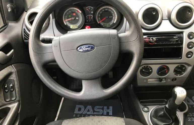 Ford Fiesta Class 1.6 MPI 8V Flex - Foto #6