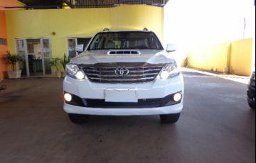Toyota Hilux SW4 3.0 TDI 4x4 SR 5L (Aut)