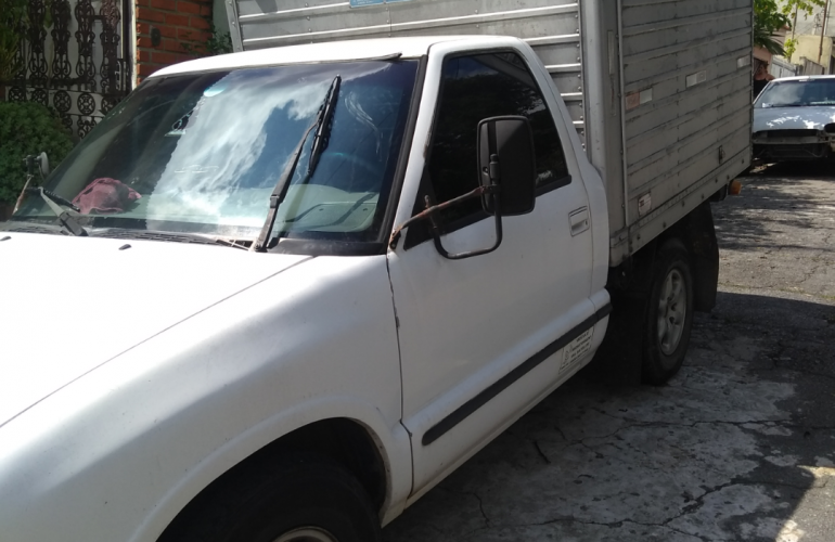 Chevrolet S10 Luxe 4x2 2.2 EFi (Cab Simples) - Foto #4