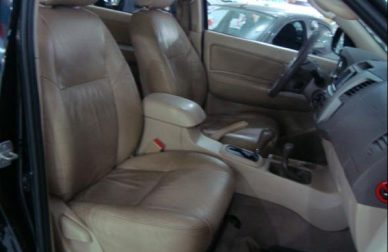 Toyota Hilux Sw4 3.0 TDi 4x4 Srv 5l Auto - Foto #8
