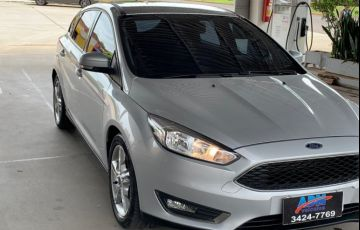 Ford Focus Hatch SE 1.6 16V TiVCT - Foto #2